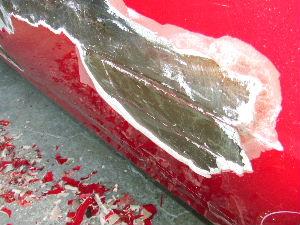 ドアの剥離をしたらパッチ修理の痕がでてきた