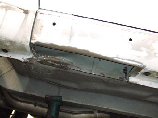 R32 GT-R のサイドシルを切り取る