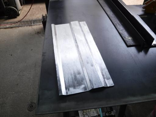 塗料を落として磨いたパネル